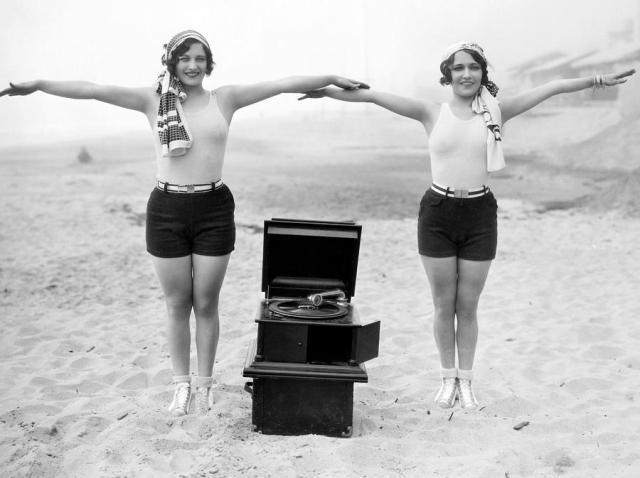phonograph-c1929-granger